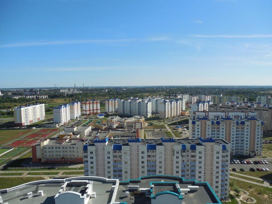 Высотка в Могилёве на углу улиц Якубовского и Бялыницкого-Бирули - вид с 21-го этажа