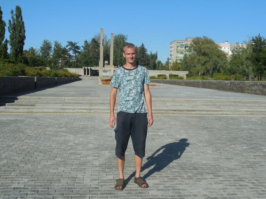 Мемориальный комплекс на месте Луполовского лагеря: Поклонный крест жертвам фашизма
