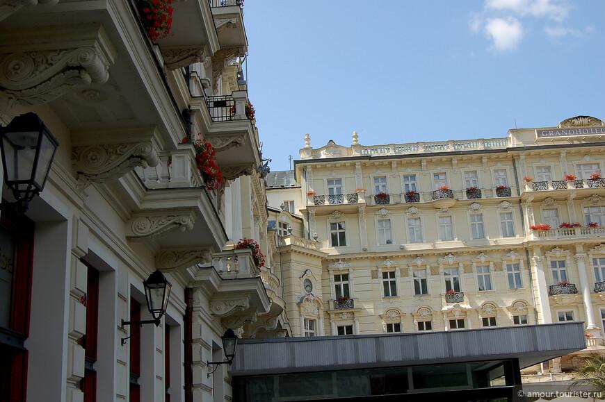 Вот и сам гранд-отель, правда не с парадного входа.