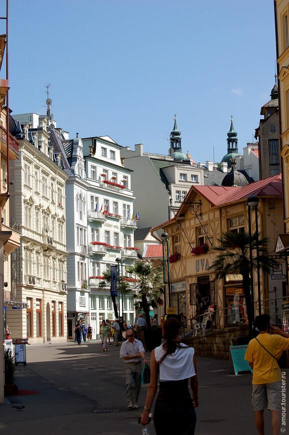 Улица Лазенска. Название улицы происходит от слова «лазни» не случайно, здесь располагается наибольшее количество минеральных источников курорта