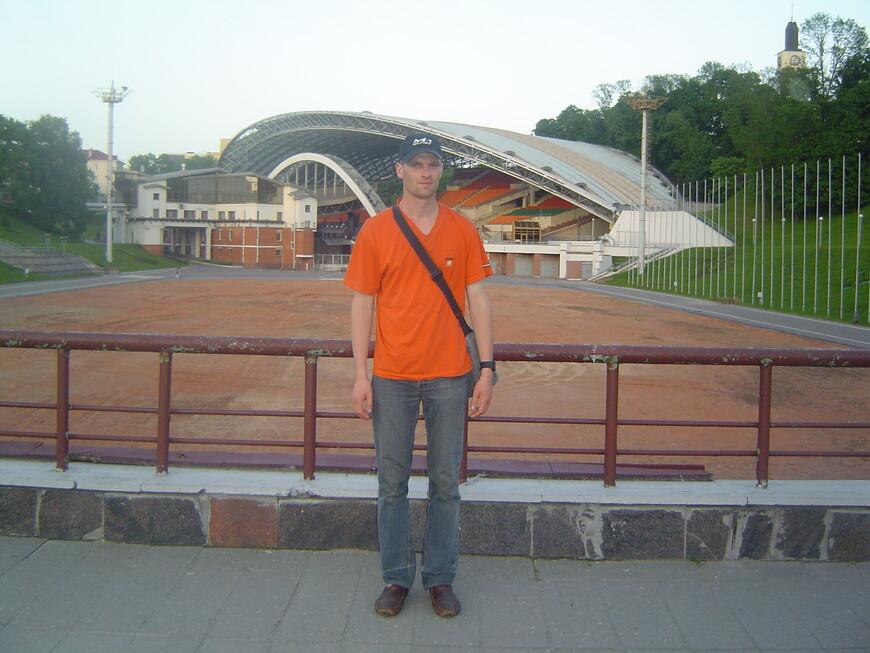 Летний амфитеатр - вид с площади Свободы и с улицы Ленина