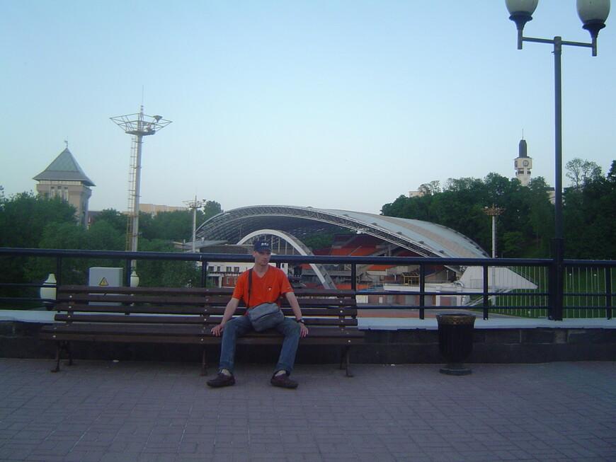 Летний амфитеатр и Духовский круглик - вид с площади Свободы и с улицы Ленина