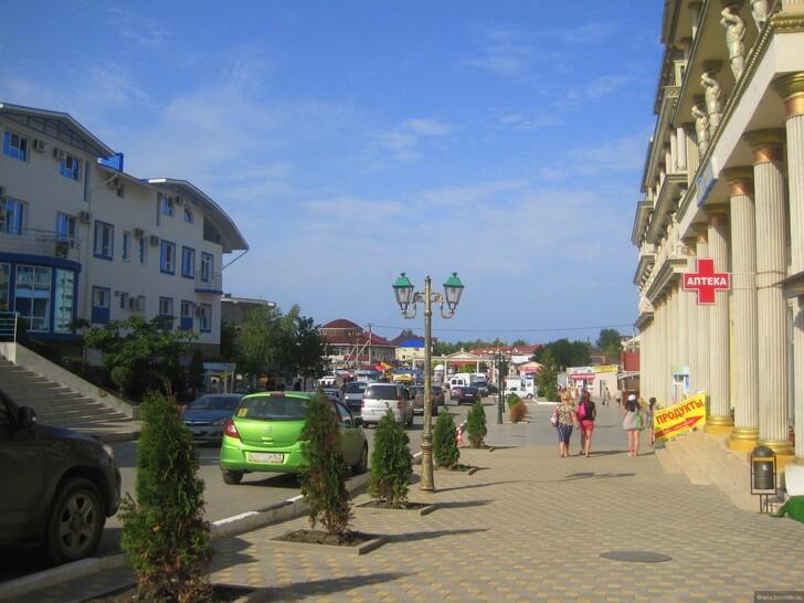 Улица Черноморская, Витязево © Эна