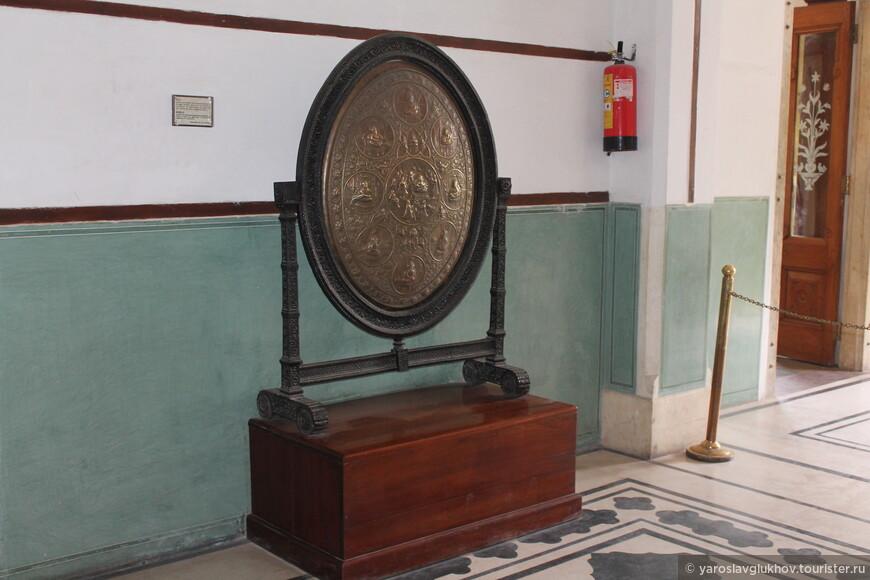 В музее представлено большое количество разноплановых экспонатов.