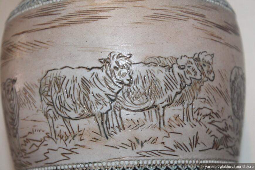 Изображение овец на одном из кувшинов.