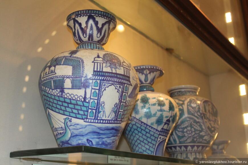 Интересные, однако, картинки на вазах.