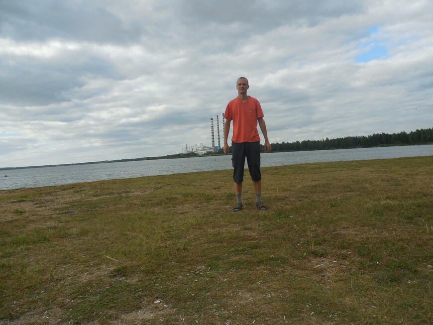 Лукомльское озеро, пляж и Лукомльская ГРЭС