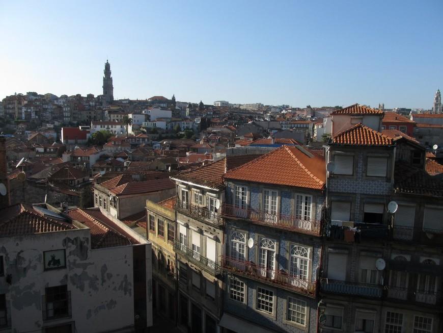 Вид с возвышенности Порту.