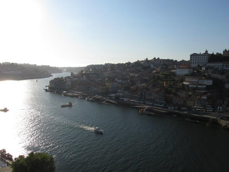 Закат в городе Порту.