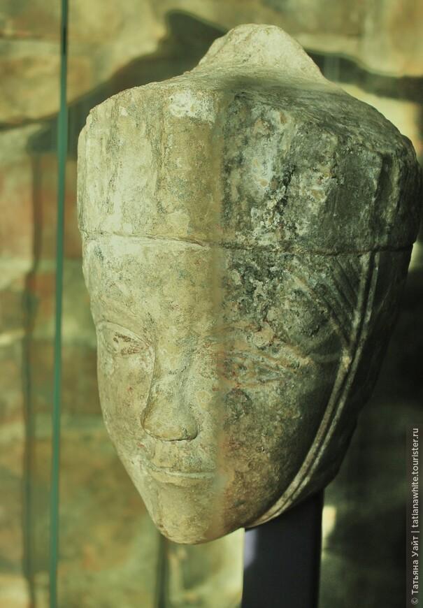 Красавица средневекового Элгина, севера Шотландии. Хотя черты лица норманнские.