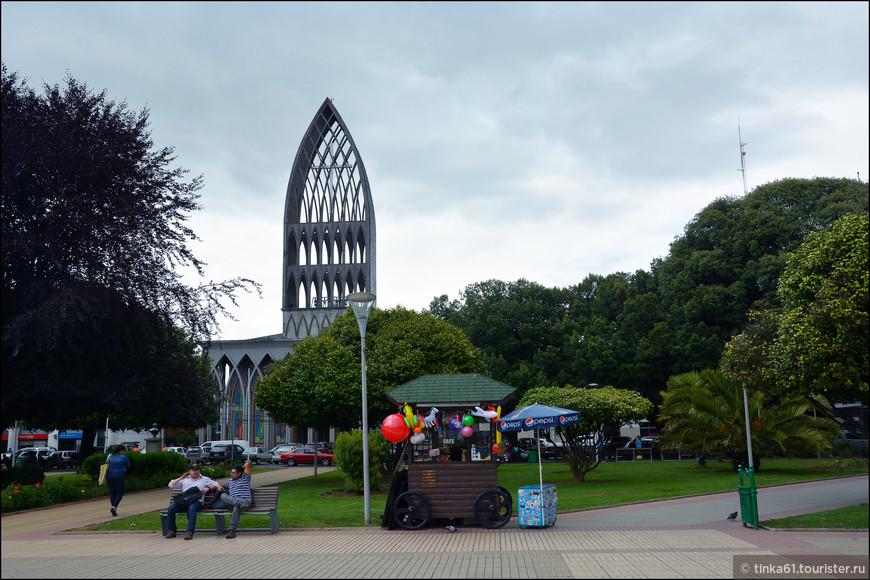 Вид на Кафедральный собор.