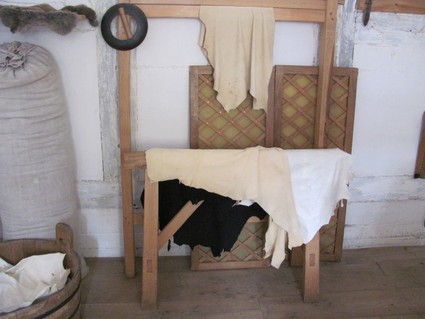 Воссоздана мастерская отца  Уильма Шекспира -  перчаточника.