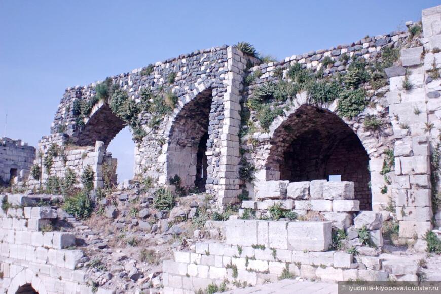 Все попытки изгнать крестоносцев из крепости были безрезультатными. В 1188 году госпитальеры смогли отбить атаку самого Салад ад-Дина, мусульманского воителя, который освободил Иерусалим и считался непобедимым.