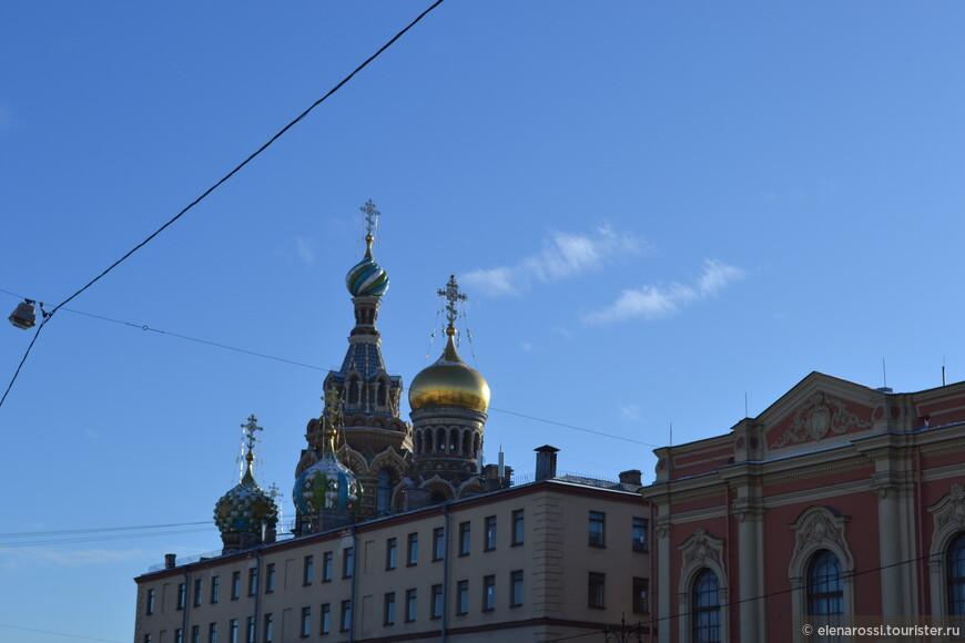 Пушкин еще не мог  видеть этого красивого  храма при жизни. Впереди у России было еще много-много самых разных событий, в том числе и кровавых, и трагических...