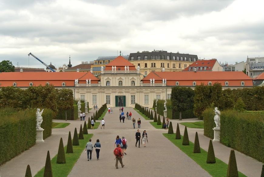 Нижний Бельведер – это жилые комнаты и парадные залы принца Евгения.