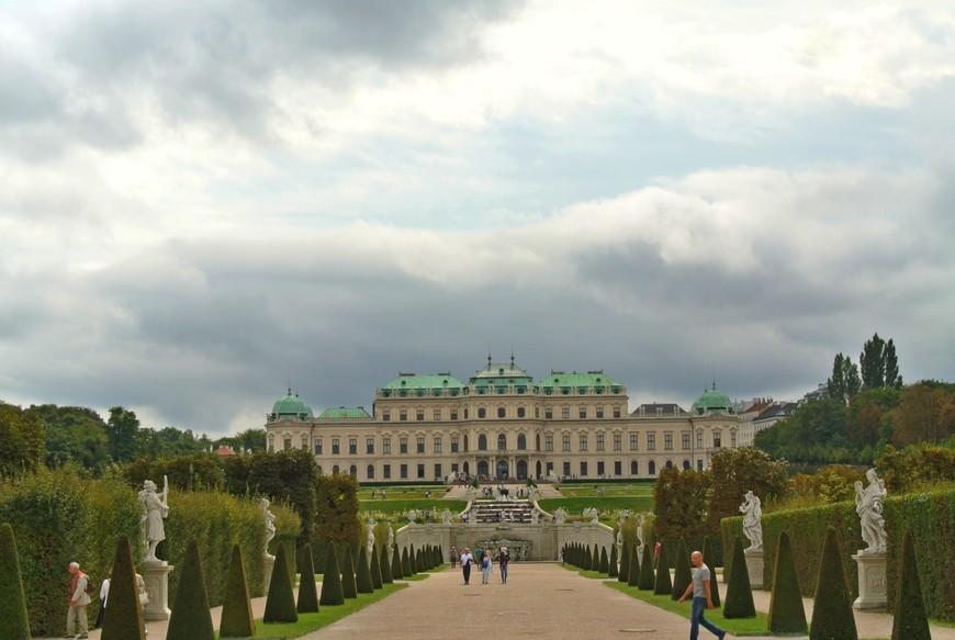 Дворцовый комплекс состоит из двух дворцов - Верхний и Нижний Бельведер, где размещается собрание австрийского искусства от Средних веков до наших дней.