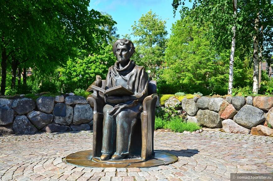 Юргорден. Памятник Астрид Линдгрен