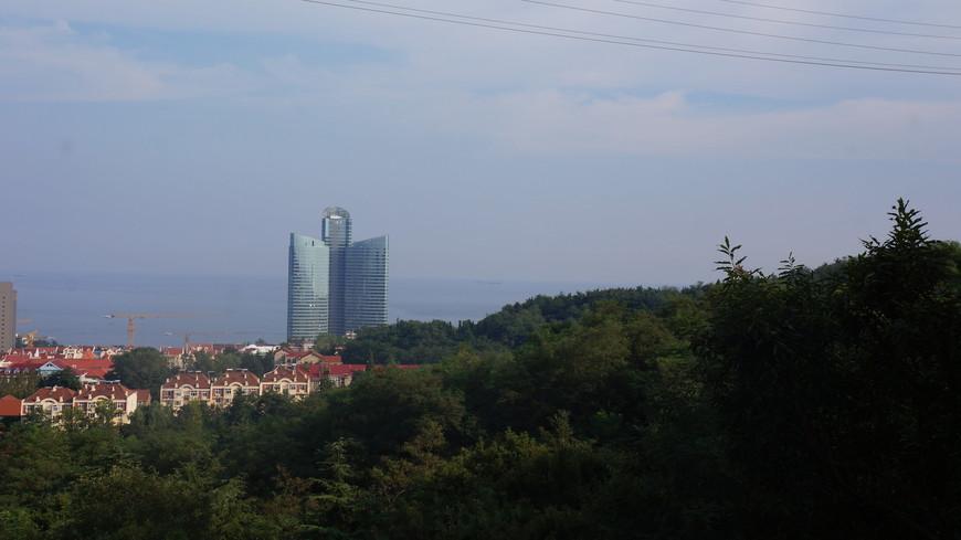 Виды города со смотровой площадки телебашни.