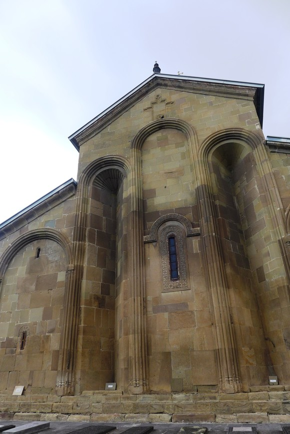 Преображенский храм сильно пострадал при землетрясении 1283 года, он был почти разрушен. Также разрушения были во время нашествия Тамерлана. Но сегодня храм стоит на своем месте, и будет стоять еще долгие века.