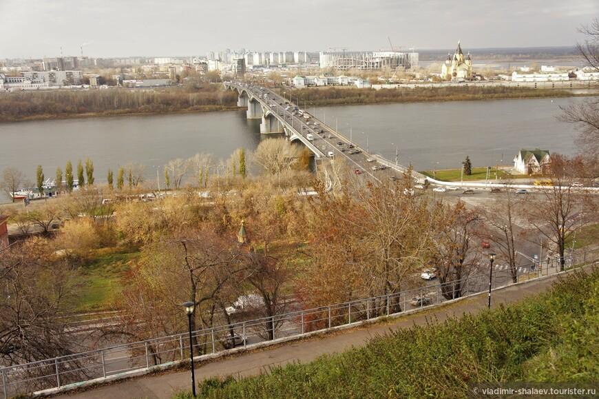 Канавинский мост - первый по времени строительства из постоянных мостов через реку Оку, расположенных на территории Нижнего Новгорода.