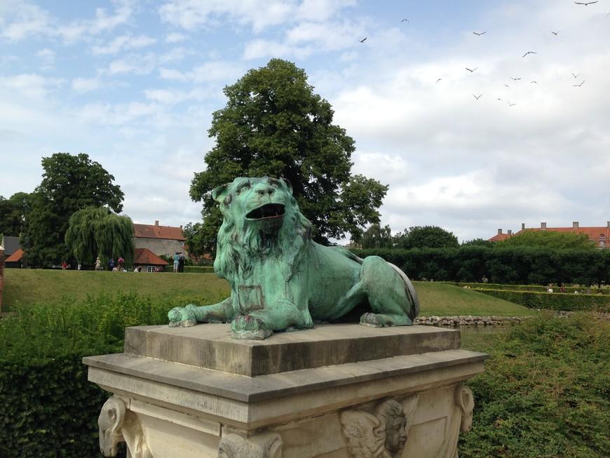 В Копенгагене много зеленых зон, парков и скверов. Город очень комфортный для прогулок, особенно для велопрогулок.