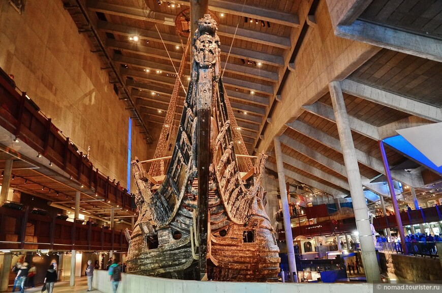 И вот, 10 августа 1628 года, со стапелей стокгольмской верфи сошел один из самых больших кораблей своего времени.
