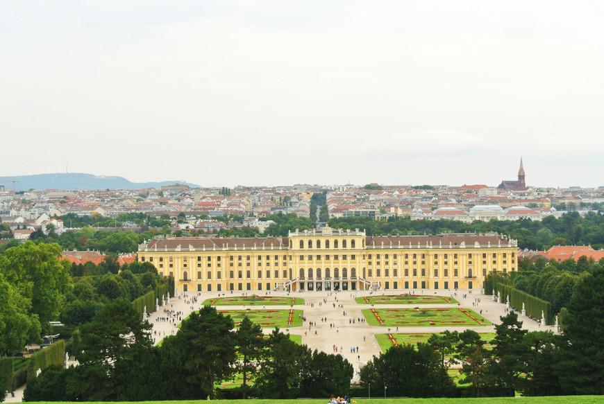 С Глориетты открывается красивейший вид на дворец и на Вену.