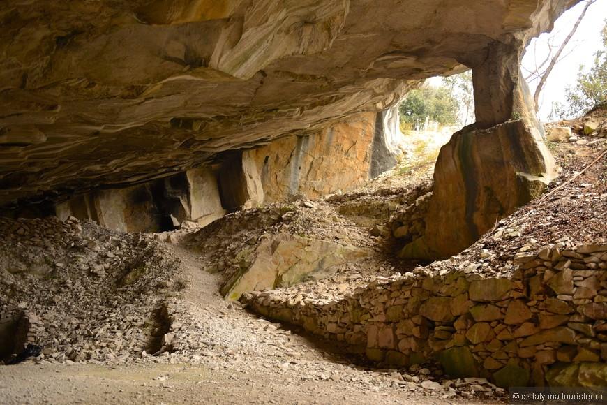 Пещеры в которых добывают камень для скульптур