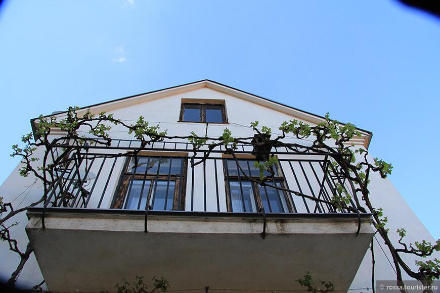 Изящный балкон Зноймо