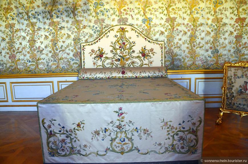 Во времена барокко по указанию курфюстины Генриетты Аделаиды Савойской, с 1650 года супруги курфюста Фердинанда Мария, до этого небольшие апартаменты её свекрови были расширены и превращены в роскошный ряд комнат.