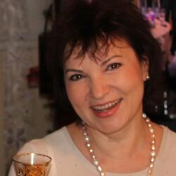 Лариса Ратай