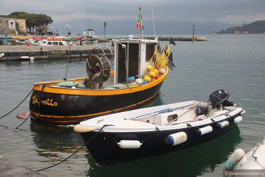 Рыбацкие лодочки в бухточке Портовенере.