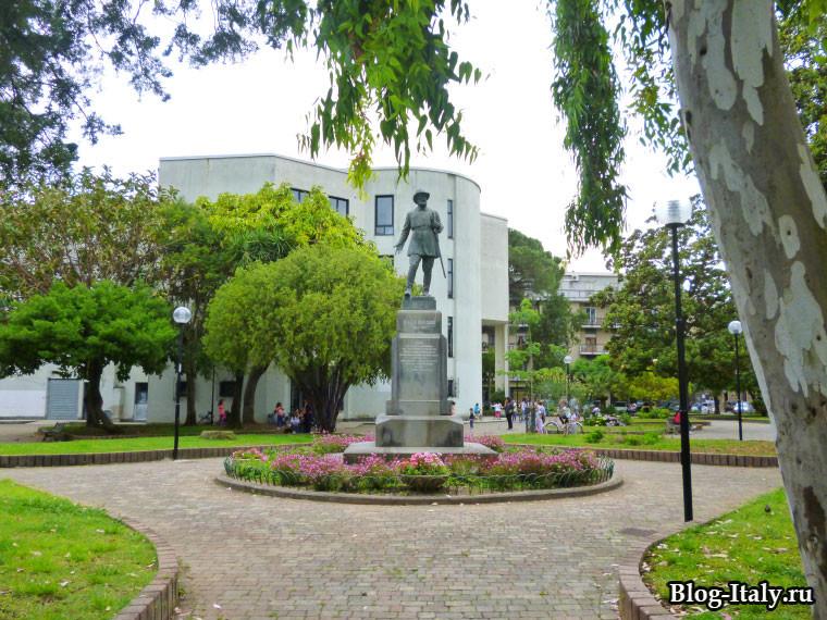 monumento-a-Sapri.jpg