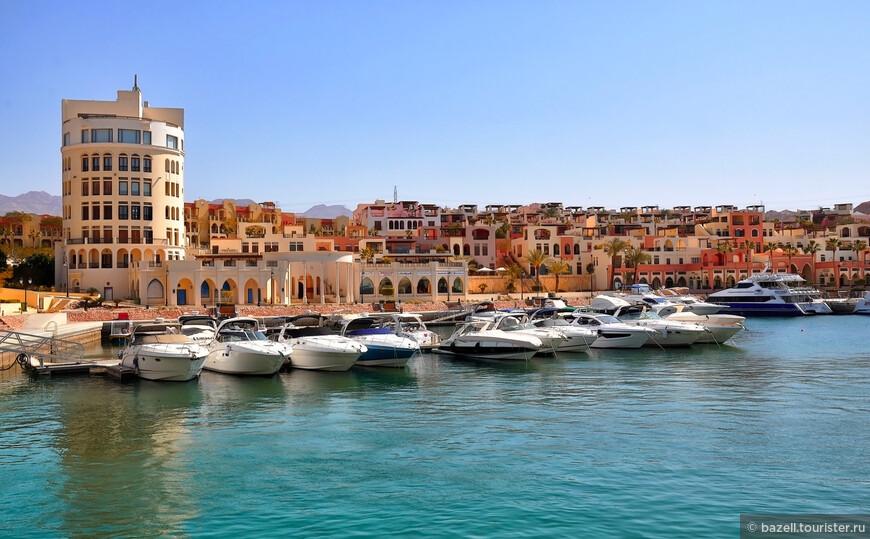 Температура тут не опускается ниже 22 °C (зимой). Ввиду богатства подводного мира Красного моря город популярен у любителей подводного плавания. Для дайвинга в Акабе очень развитая инфраструктура