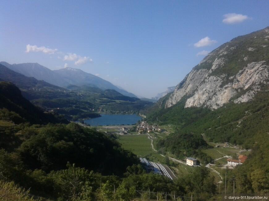 Lago di Santa Massenza. купаться нельзя, здесь находится электростанция