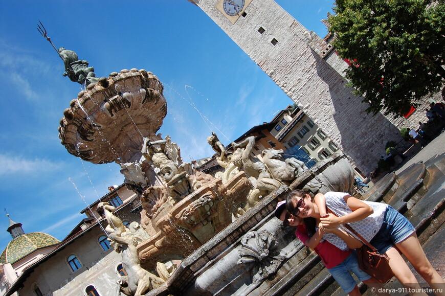 Piazza del Duomo Фонтан с Нептуном символизирует достаток воды в городе