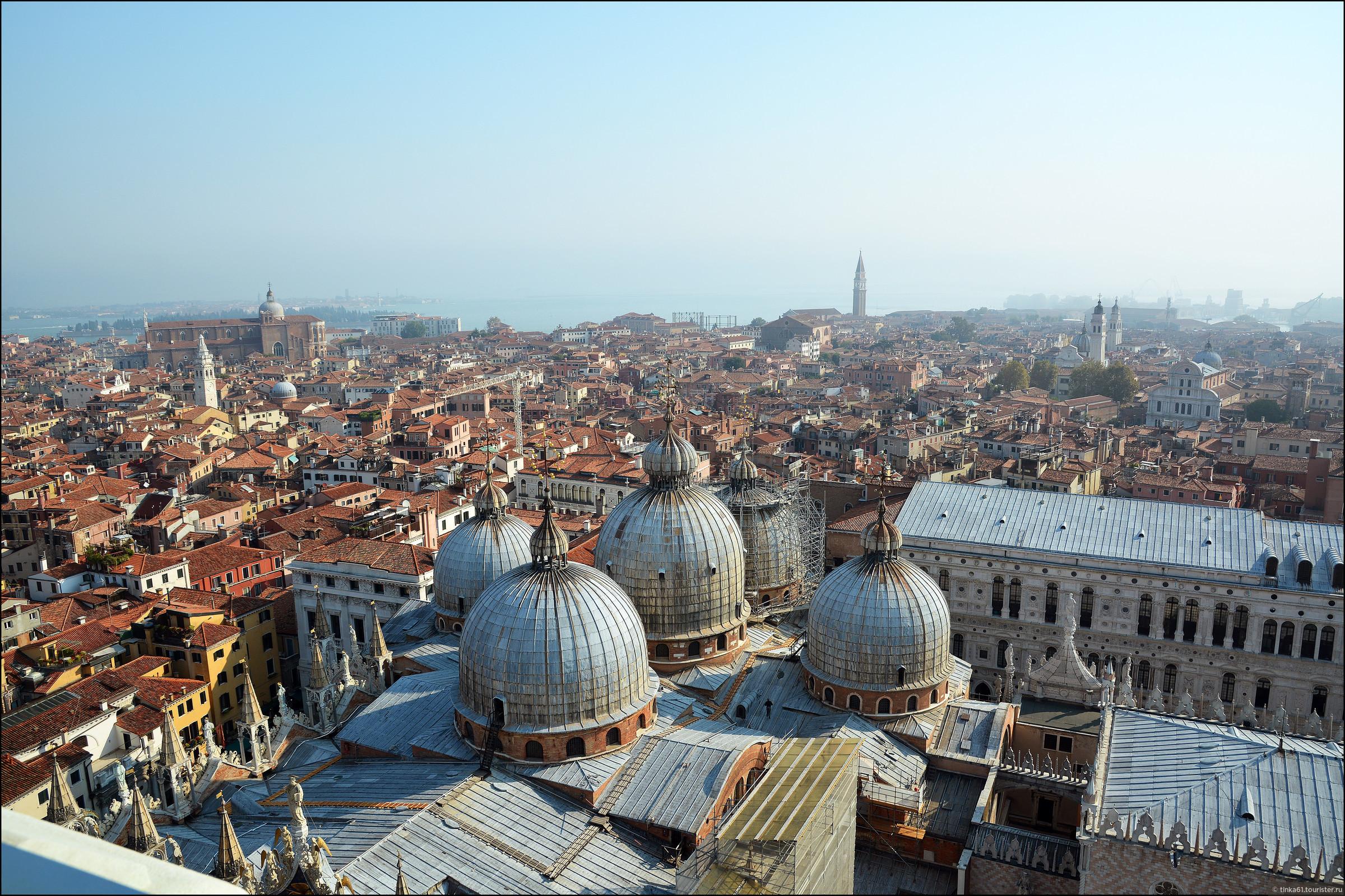Вот такие панорамы Венеции можно увидеть, если подняться на Кампанилу Святого Марка.  , Венеция. Земля