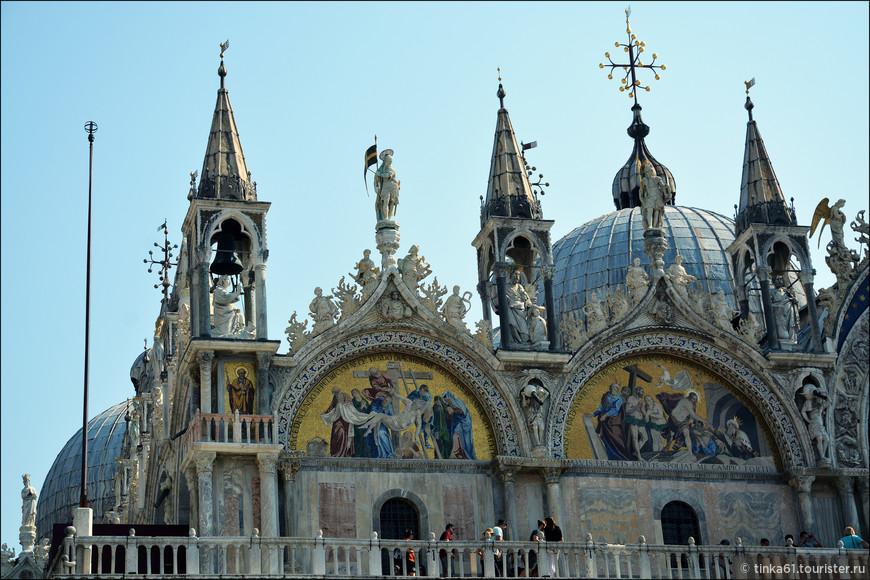 Преобладающий стиль собора  – византийский, особенно это верно для общего вида и куполов.