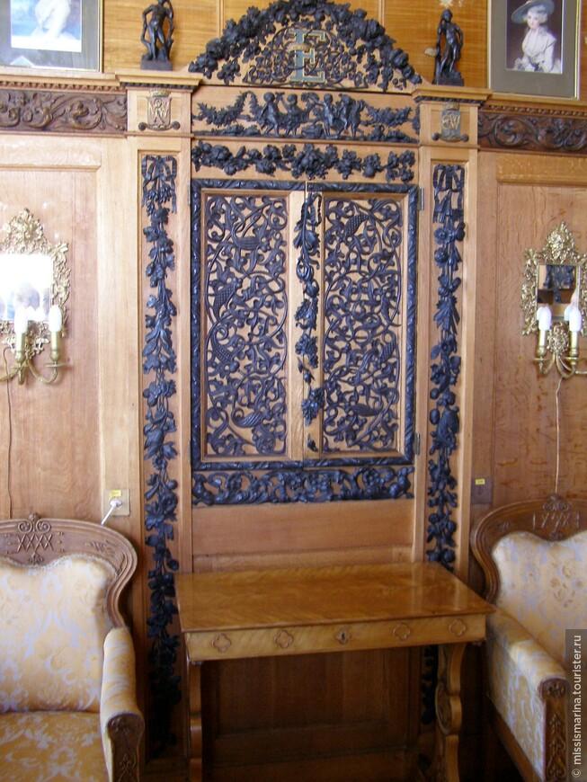 В начале 20-х годов на Южном берегу Крыма, в ряде крупнейших дворянских усадеб были созданы музеи, среди них и Алупкинский музей.