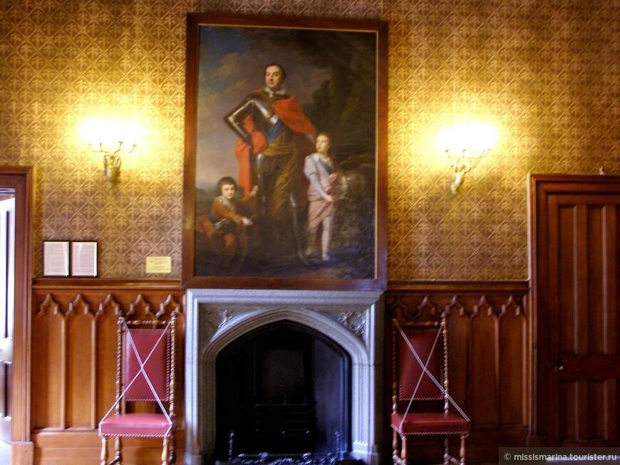 Три поколения семьи Воронцовых наслаждались жизнью в построенном их дедом великолепном дворце. Перед Октябрьской революцией 150 комнат замка представляли собой роскошные апартаменты, украшенные античными скульптурами, антикварной мебелью и картинами.