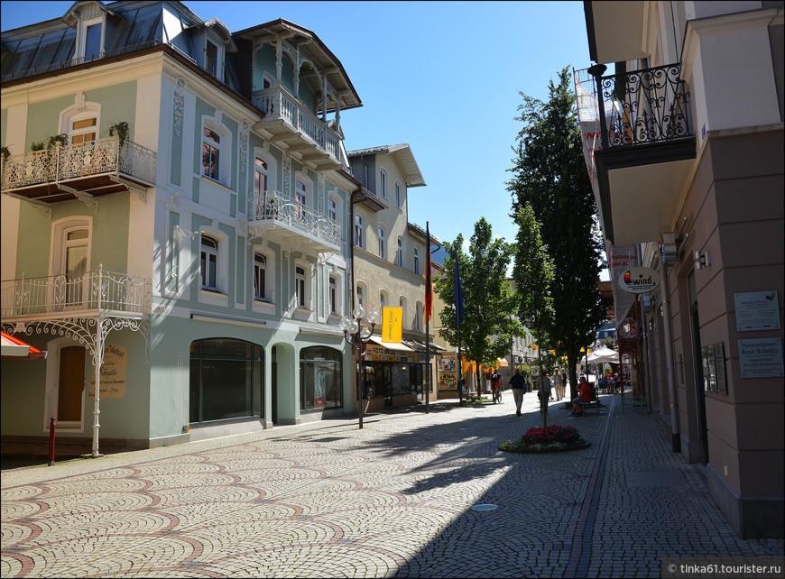На центральной улице Людвигштрассе.
