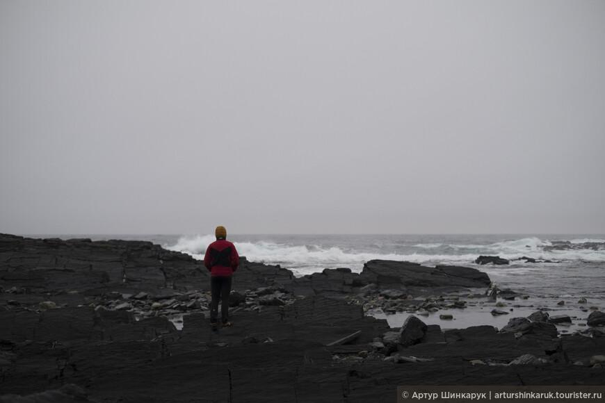 Каменное плато уходящее в Ледовитый океан