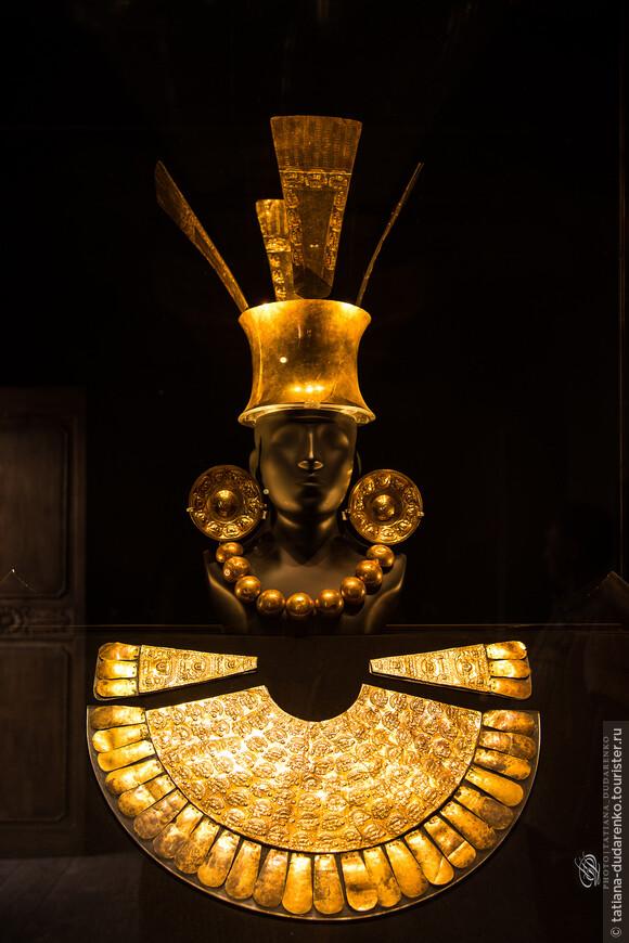 Вот оно золото Инков, которое до сих пор тревожит умы золотоискателей. В музее Ларко представлены лучшие коллекции золота и серебра, коллекции тканей и керамики древнего Перу, а также и знаменитая эротическая археологическая коллекция.