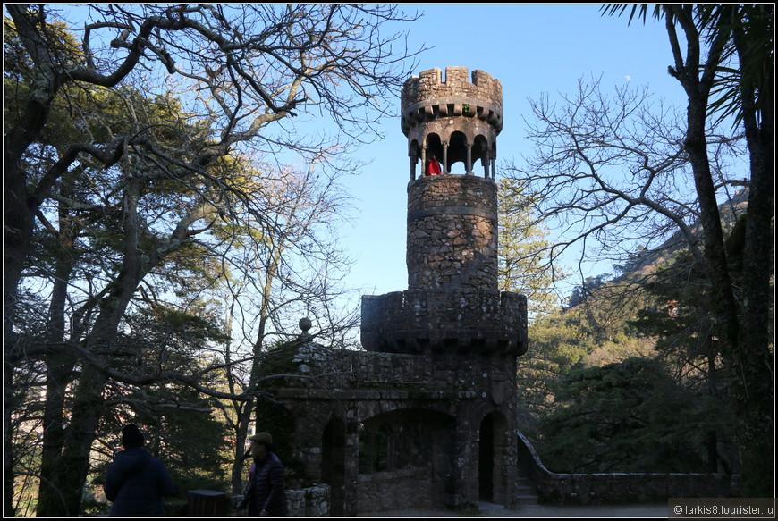 В сказочных башнях женщины хотят себя почувствовать принцессами.