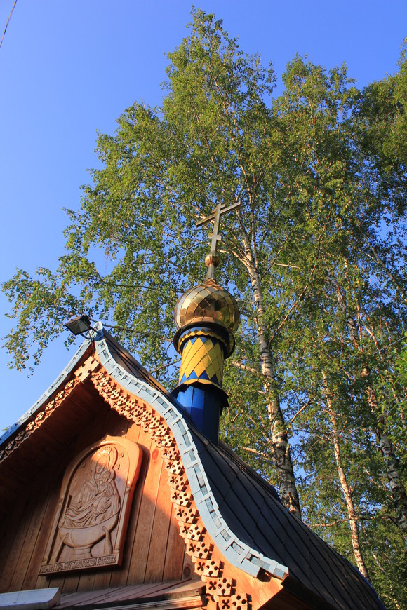 часовенка над святым источником в Искитимском районе Новосибирской области.