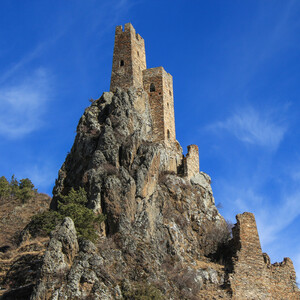 Вовнушки — замок, парящий в небесах.