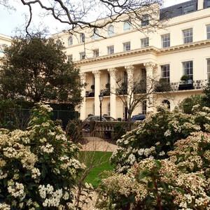 Лондон. Риджентс Парк. Цветение ранней весной
