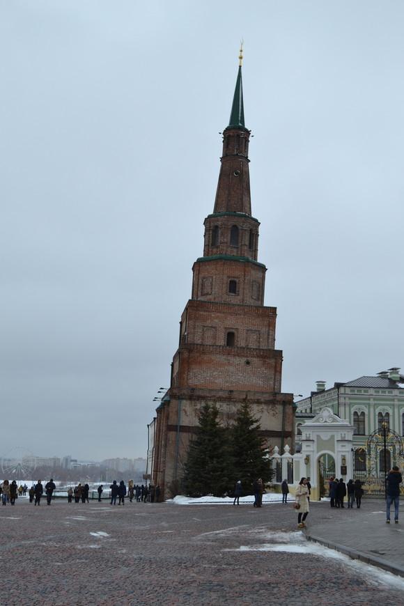 Кремль.Падающая башня Сююмбике
