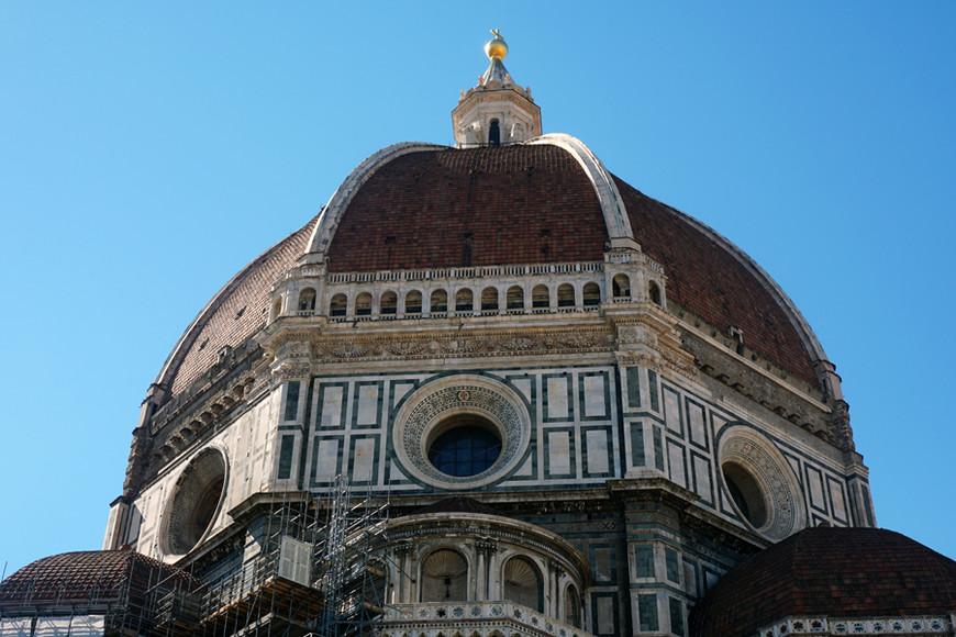 Купол Санта-Марии-дель-Фьоре. По истине величественное сооружение, символ Флоренции и Италии