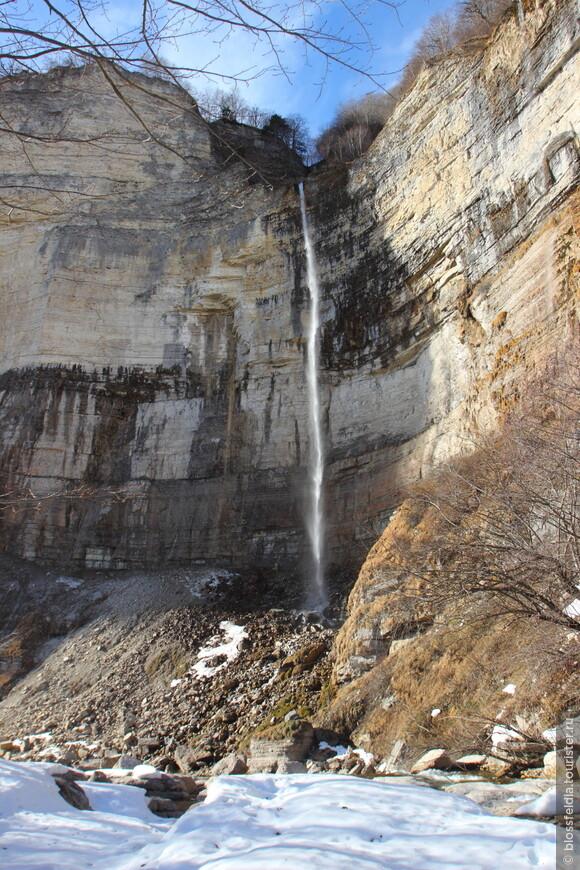 А вот и водопад. Не замерз!